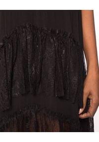 Nissa - NISSA - Czarna sukienka z jedwabiu. Kolor: czarny. Materiał: jedwab. Typ sukienki: asymetryczne, kopertowe. Styl: elegancki. Długość: midi