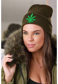 Oliwkowa czapka IVET na zimę