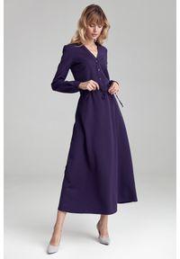 e-margeritka - Sukienka maxi z długim rękawem fioletowa - 40. Okazja: do pracy. Kolor: fioletowy. Materiał: poliester, wiskoza, materiał, elastan. Długość rękawa: długi rękaw. Styl: elegancki. Długość: maxi