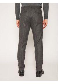 Oscar Jacobson Spodnie materiałowe 52 113 931 Szary Regular Fit. Kolor: szary. Materiał: materiał