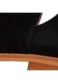 Czarne botki Karino z cholewką, na średnim obcasie