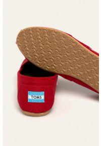 Toms - Espadryle Classic. Nosek buta: okrągły. Kolor: czerwony. Materiał: guma, skóra
