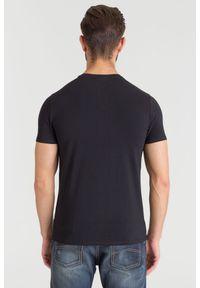 Czarny t-shirt Emporio Armani z aplikacjami