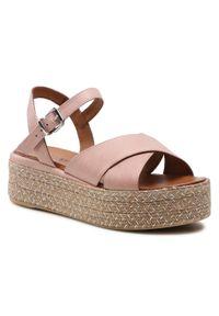 Różowe sandały Inuikii