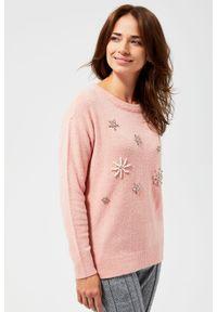 Różowy sweter MOODO długi, z długim rękawem, z klasycznym kołnierzykiem