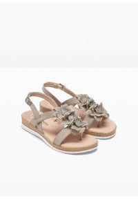 Brązowe sandały bonprix na platformie