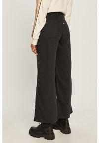 Czarne spodnie materiałowe Levi's® z podwyższonym stanem, na spotkanie biznesowe