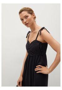 mango - Mango Sukienka letnia Ines 87049203 Czarny Relaxed Fit. Kolor: czarny. Sezon: lato