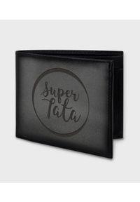 MegaKoszulki - Portfel skórzany Super tata w kółku. Materiał: skóra