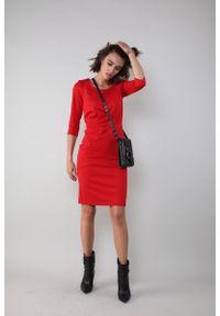 Czerwona sukienka Nommo sportowa, sportowa
