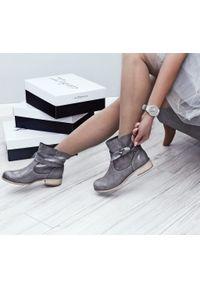 Szare botki Zapato z okrągłym noskiem, wąskie, z cholewką
