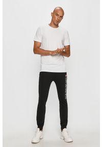 Czarne spodnie dresowe Napapijri z nadrukiem
