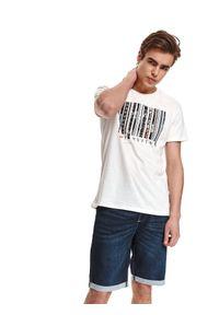 TOP SECRET - T-shirt z nadrukiem. Okazja: na co dzień, do pracy. Kolor: biały. Materiał: tkanina, bawełna. Długość rękawa: krótki rękaw. Długość: krótkie. Wzór: nadruk. Sezon: lato. Styl: casual