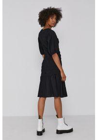 Y.A.S - Sukienka. Okazja: na co dzień. Kolor: czarny. Materiał: tkanina. Długość rękawa: krótki rękaw. Typ sukienki: proste. Styl: casual