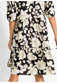 Sukienka koszulowa bonprix czarno-biel wełny w kwiaty. Kolor: czarny. Materiał: wełna. Wzór: kwiaty. Typ sukienki: koszulowe