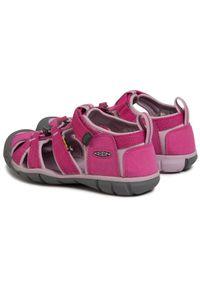 Różowe sandały keen na lato