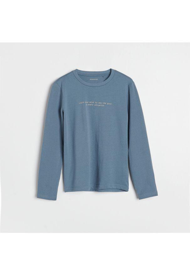 Reserved - Bawełniana koszulka z nadrukiem - Niebieski. Kolor: niebieski. Materiał: bawełna. Wzór: nadruk