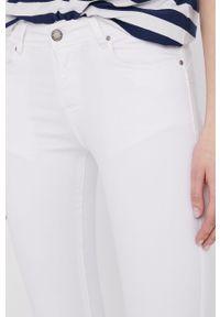 Białe jeansy Answear Lab wakacyjne, gładkie
