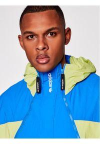 Adidas - adidas Kurtka anorak Adventure Mishmash GN2335 Niebieski Regular Fit. Kolor: niebieski