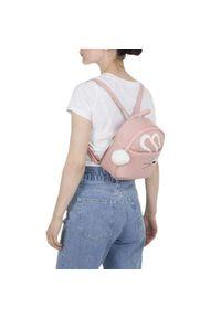 Różowy plecak młodzieżowy