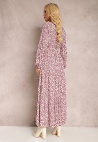 Renee - Różowa Sukienka Thesena. Kolor: różowy. Materiał: tkanina, materiał. Długość rękawa: długi rękaw. Wzór: kwiaty, aplikacja, nadruk. Typ sukienki: kopertowe, dopasowane. Długość: maxi