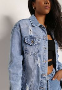 Renee - Jasnoniebieska Kurtka Jeansowa Idelis. Kolor: niebieski. Materiał: jeans. Wzór: kwiaty