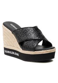 Calvin Klein Jeans - Espadryle CALVIN KLEIN JEANS - Wedge Sandal Crisscross Em Pa-Pl YW0YW00032 Black BDS. Okazja: na co dzień. Kolor: czarny. Materiał: skóra ekologiczna, materiał, skóra. Sezon: lato. Styl: casual
