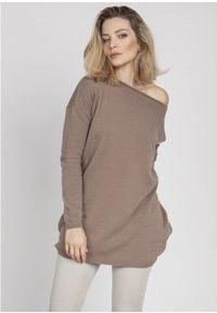 MKM - Oversizowy Sweter z Szerokim Dekoltem - Mocca. Materiał: akryl, wiskoza