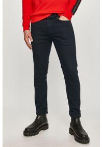 Niebieskie jeansy Hugo gładkie