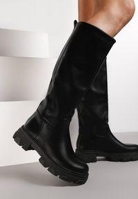 Renee - Czarne Kozaki Masise. Nosek buta: okrągły. Kolor: czarny. Szerokość cholewki: szeroka. Wzór: jednolity