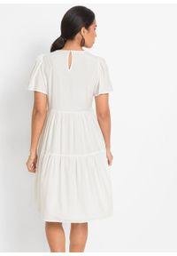 Sukienka z ażurowym haftem bonprix biel wełny. Kolor: biały. Materiał: wełna. Wzór: haft, ażurowy