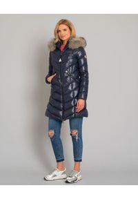 MONCLER - Granatowy płaszcz puchowy Fulmarus. Kolor: niebieski. Materiał: puch. Wzór: aplikacja. Sezon: jesień, zima. Styl: elegancki, klasyczny