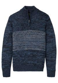 Sweter z zamkiem bonprix ciemnoniebieski wzorzysty. Kolor: niebieski. Materiał: wełna, akryl, dzianina, materiał. Wzór: melanż, aplikacja. Styl: klasyczny