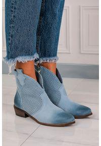 Exquisite - niebieskie botki kowbojki skórzane wiosenne ażurowe exquisite 1168. Okazja: na co dzień. Kolor: niebieski. Materiał: skóra. Szerokość cholewki: normalna. Wzór: ażurowy. Sezon: wiosna. Obcas: na obcasie. Styl: casual. Wysokość obcasa: niski