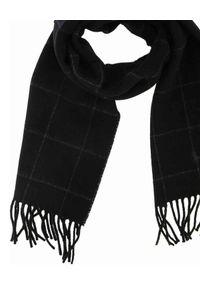 Ralph Lauren - RALPH LAUREN - Czarny szalik w kratkę. Kolor: czarny. Materiał: dzianina. Wzór: kratka. Styl: klasyczny, elegancki