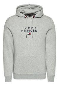 TOMMY HILFIGER - Tommy Hilfiger Bluza Stacked Flag MW0MW17397 Szary Regular Fit. Kolor: szary
