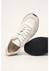 Sneakersy Guess Jeans z okrągłym noskiem, na sznurówki