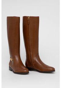 Lauren Ralph Lauren - Kozaki skórzane. Nosek buta: okrągły. Kolor: brązowy. Materiał: skóra. Szerokość cholewki: normalna