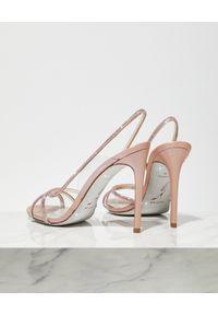 RENE CAOVILLA - Różowe sandały na szpilce. Zapięcie: pasek. Kolor: różowy, wielokolorowy, fioletowy. Wzór: paski, aplikacja. Obcas: na szpilce. Wysokość obcasa: średni #3
