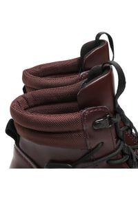 Ugg - Botki UGG - W Tioga Hiker 1116487 Bur. Kolor: czerwony. Materiał: materiał, skóra ekologiczna. Szerokość cholewki: normalna. Obcas: na obcasie. Wysokość obcasa: średni