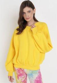Born2be - Żółta Bluza Adrassa. Kolor: żółty. Materiał: tkanina, polar. Długość: długie. Wzór: gładki. Sezon: lato
