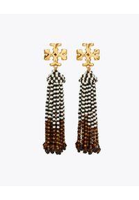 Tory Burch - TORY BURCH - Długie kolczyki z frędzlami Roxanne. Materiał: szklane, z mosiądzu, złote. Kolor: brązowy