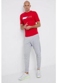 TOMMY HILFIGER - Tommy Hilfiger - T-shirt. Okazja: na co dzień. Kolor: czerwony. Wzór: nadruk. Styl: casual