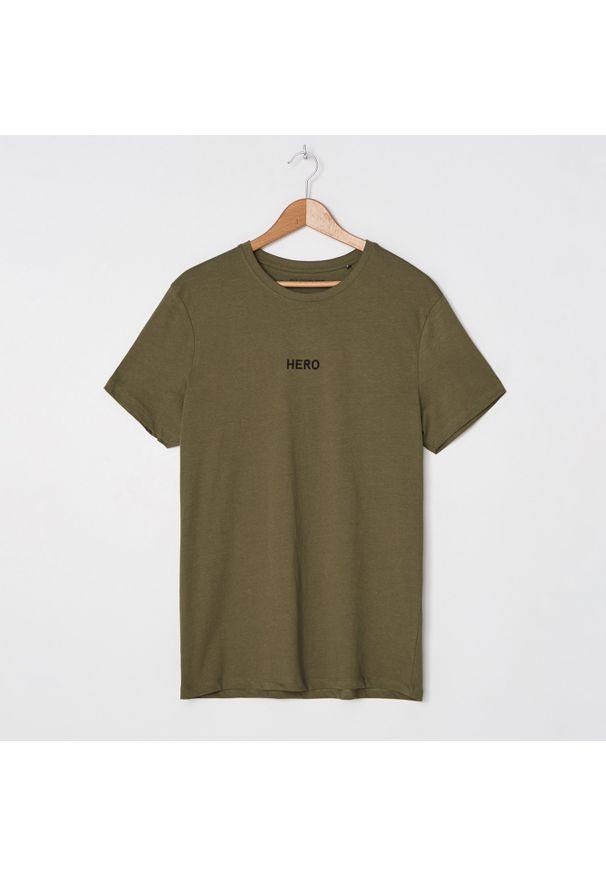 T-shirt House z haftami