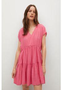 mango - Mango - Sukienka SIREN. Kolor: różowy. Materiał: włókno. Długość rękawa: krótki rękaw. Typ sukienki: rozkloszowane