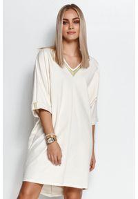 Makadamia - Kimonowa Sukienka z Ozdobną Taśmą - Śmietankowa. Materiał: poliester, elastan, bawełna