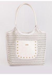 Biała torebka Monnari w ażurowe wzory