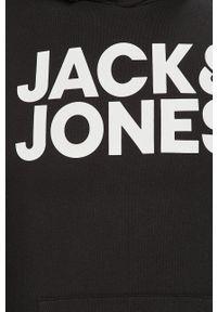 Jack & Jones - Bluza. Okazja: na co dzień. Typ kołnierza: kaptur. Kolor: czarny. Materiał: dzianina. Wzór: nadruk. Styl: casual