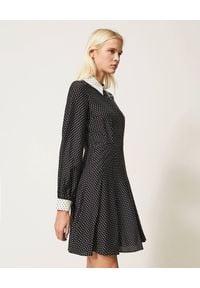 TwinSet - TWINSET - Czarna mini sukienka z kołnierzem. Kolor: czarny. Materiał: tkanina, materiał. Styl: klasyczny, elegancki. Długość: mini