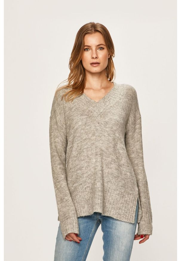 Szary sweter Vero Moda